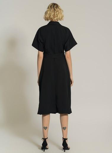 NGSTYLE Düğme Detaylı Gömlek Elbise Siyah